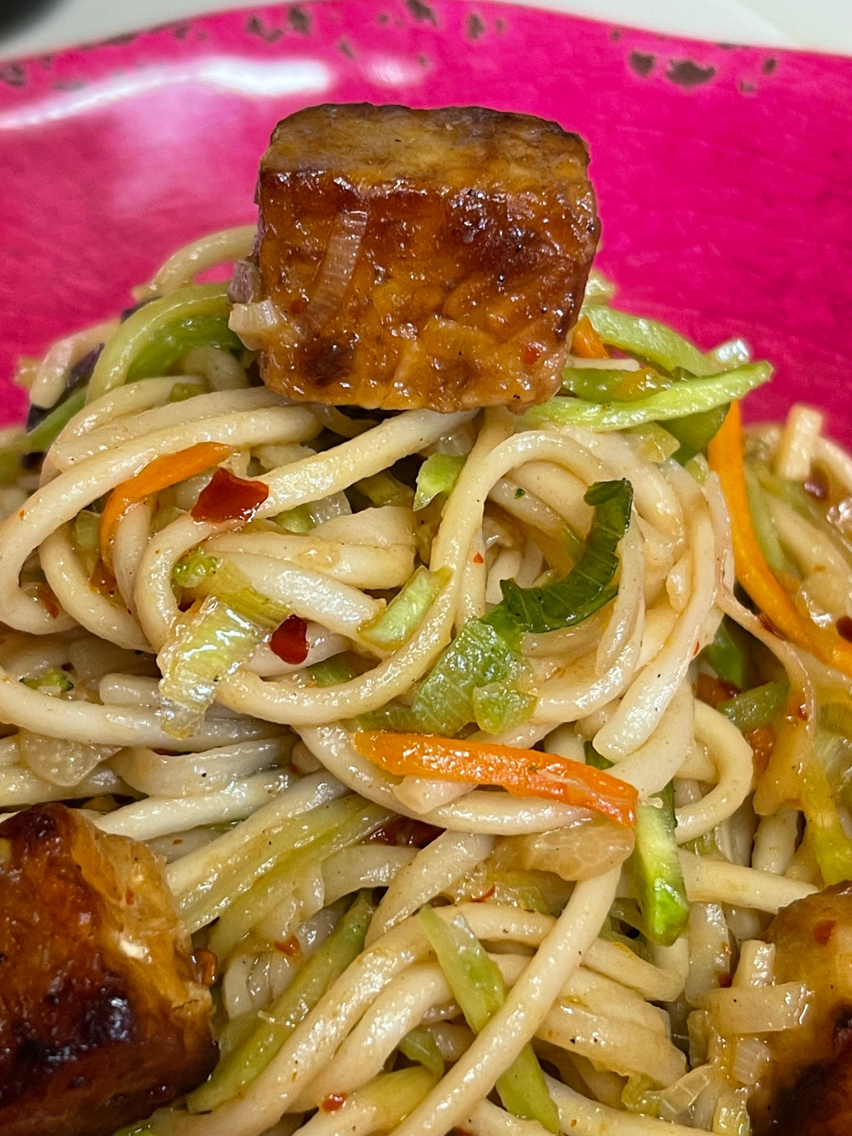 Garlicky Tempeh Noodles